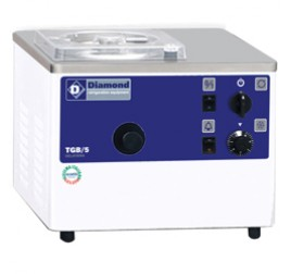 Diamond fagylaltkészítő gép 5 liter/óra kapacitással