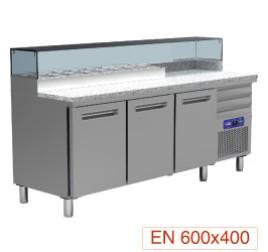 210 cm-es Diamond  hűtött pizzaelőkészítő asztal beépített feltéthűtővel, 3 ajtóval és 3 fiókkal