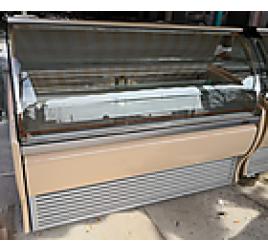 180 cm-es süteményes hűtőpult (La Squadra) használt